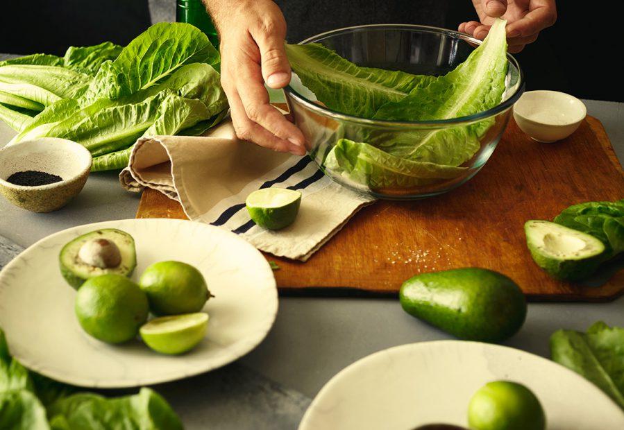 Insalata con avocado: ricette light da provare in estate