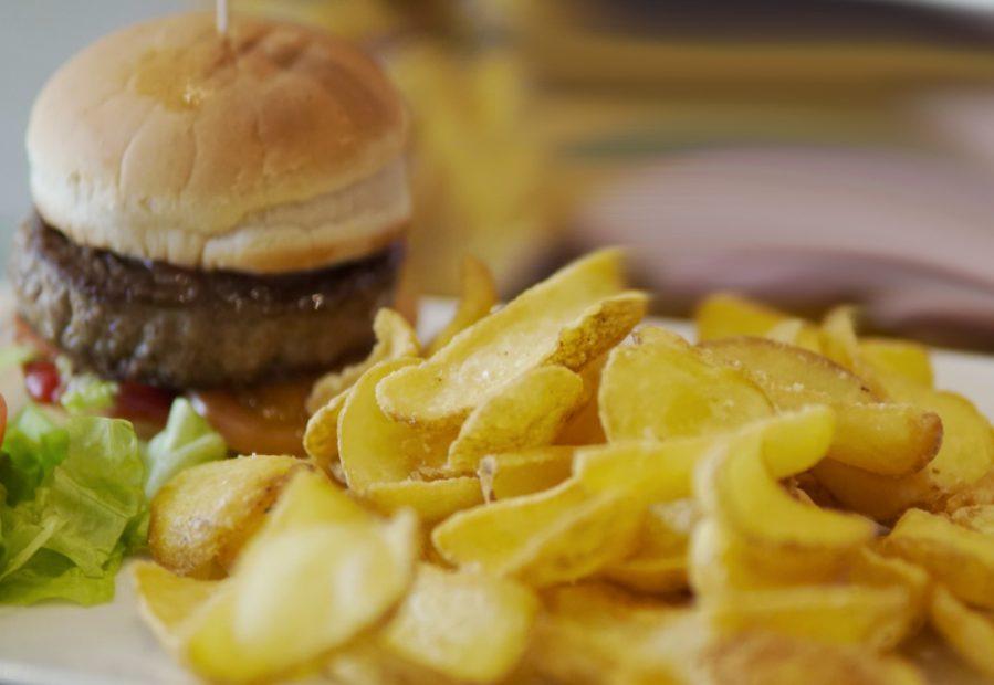 Ciccio Burger e patate americane